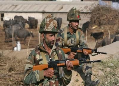 ஒரு அதிகாரி உட்பட 3 ராணுவ வீரர்கள் வீர மரணம்!