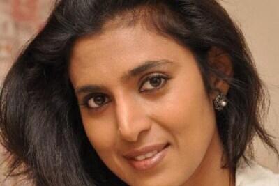 திமுக மறியல் : யார் அப்பன் வீட்டு காசு : நடிகை கஸ்தூரி பாய்ச்சல்
