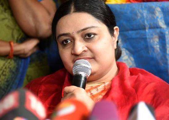 Deepa's Residence, Fake Income Tax Officer Escaped