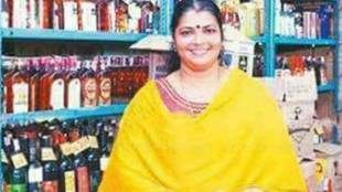 kerala, liquir shops, ladies at liquir shops, kerala government, kerala cm pinarayee vijayan, kavignar chandrakala