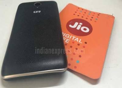 Reliance, Reliance Jio, Smartphones, Airtel, Vodafone, TRAI,