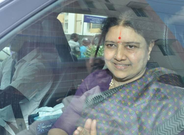 vk sasikala, ttv dhinakaran, aiadmk, income tax department, IT raid at jeya tv, jeya tv,IT raid targeted vk sasikala's family, leaders opinion