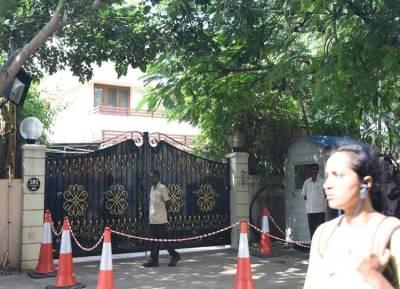 IT raid, sasikala family raided, TTV Dhinakaran, VK sasikala,
