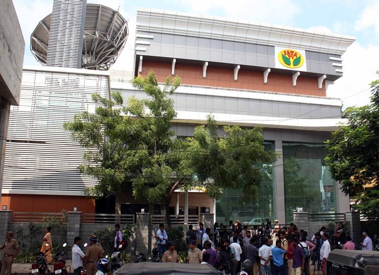 TTV dinakaran, v.k.sasikala,AIADMK, Jaya TV,