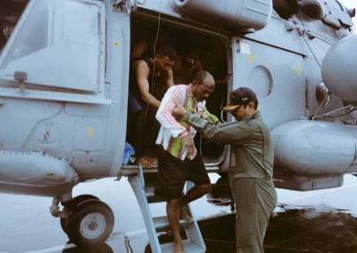 cyclone ockhi, kanyakumari district, heavyrain, tamilnadu government, minister nirmala seetharaman, Indian Coast Guard, indian navy, indian air force