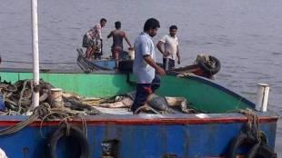 Kanyakumari District, Thoothur, Chinnadurai, Vallavilai, Kerala State, Sea, Fishermen, Kanyakumari Fishermen, Tamilnadu Fishermen, Cyclone Ockhi, deep sea fishermen