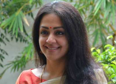 வித்யா பாலன் கேரக்டரில் நடிக்கிறார் ஜோதிகா