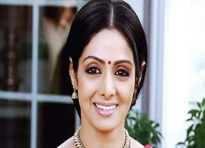 நடிகை ஸ்ரீதேவி துபாயில் மாரடைப்பால் மரணம்: அவருக்கு வயது54
