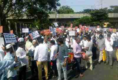 Cauvery Protest, T.velmurugan, Police Deployed at Marina