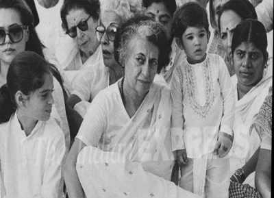 indira-gandhi-with-varun-gandhi