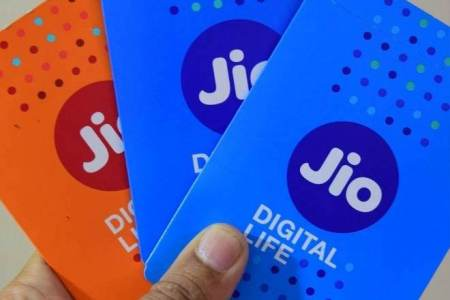 Jio accuses Airtel, Vodafone Idea, BSNL of cheating