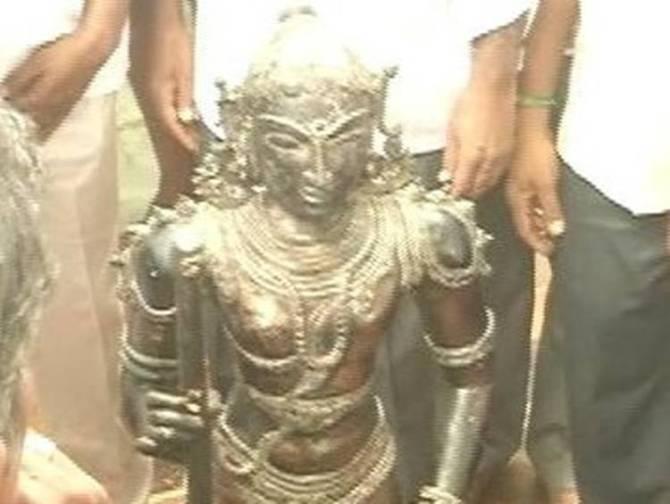 Idols Smuggling, Idols Theft, Idols Stolen, CBI Inquiry, Chennai High Court Questioning, Tamilnadu Government, சிலை கடத்தல், சிபிஐ விசாரணை, சென்னை உயர் நீதிமன்றம்