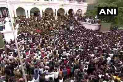 Karunanidhi death, karunanidhi news, kalaignar karunanidhi, karunanidhi latest news, karunanidhi burial, karunanidhi holiday, Karunanidhi Funeral