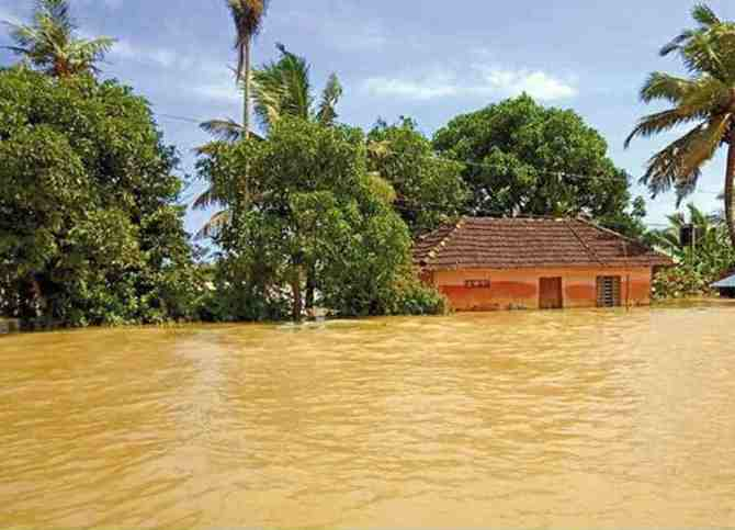 Kerala Flood IMD gives red alert to Malappuram, Wayanad districts