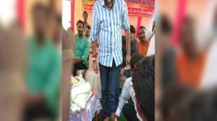 A Man in Jharkhand Washes MP Nishikant Dubey's Feet & Drink the Same Water