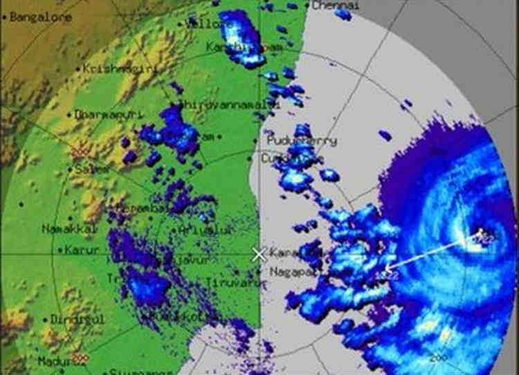 GAJA Hits TN Coastal Districts, Landfall Nagapattinam, Cuddalore, கஜா புயல், கஜ புயல், தமிழ்நாடு, நாகப்பட்டினம்
