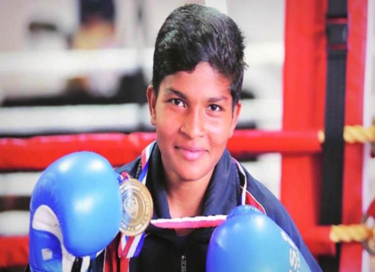 Junior Women Boxing Championship: Lassi seller's daughter Rajni wins gold - பெண்கள் குத்துச்சண்டை சாம்பியன்ஷிப்: தங்கம் வென்ற லெஸ்சி விற்பவர் மகள்