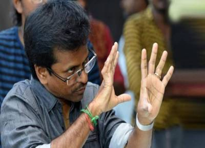 Conditional bail for director AR Murugadoss sarkar vijay high court - சர்கார் விவகாரம்: ஏ.ஆர் முருகதாஸுக்கு நிபந்தனை முன் ஜாமீன்