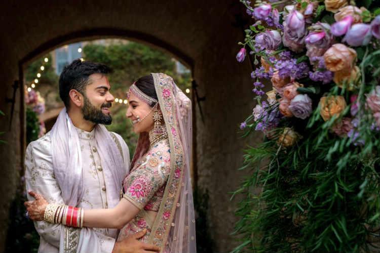 anushka sharma - virat kohli wedding anniversary, அனுஷ்கா