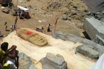 3 நாளில் வெறும் 300 மீட்டர் மட்டுமே நகர்ந்த 300 டன் விஷ்ணு சிலை…