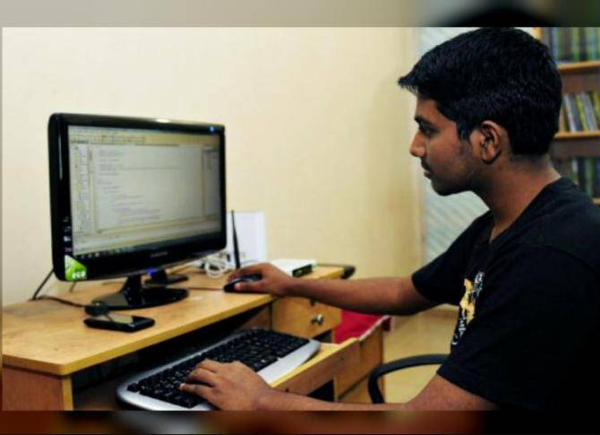Get Regular income by becoming an authorised IRCTC ticket booking agents