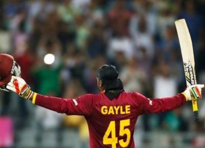 chris gayle hits maximum number of sixes in International cricket - நான் தான் யுனிவர்சல் பாஸ்! - மீண்டும் ஒருமுறை களத்தில் நிரூபித்த கிறிஸ் கெயில்