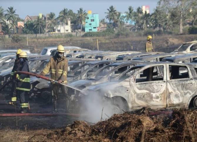 Chennai Porur Car shed fire accident - சென்னையில் கார் டாக்ஸி நிறுவனத்தில் பெரும் விபத்து: 200க்கும் மேற்பட்ட கார்கள் சாம்பலானது!