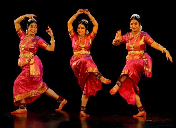 suhasini maniratnam dance, நடிகை சுஹாசினி