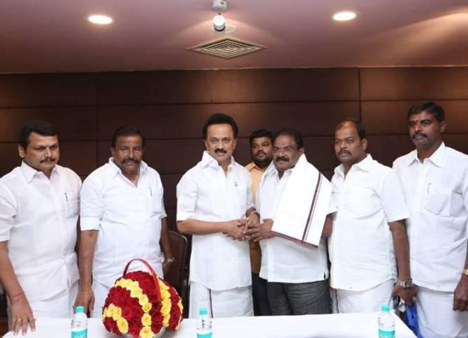 VP Kalairajan joined in dmk
