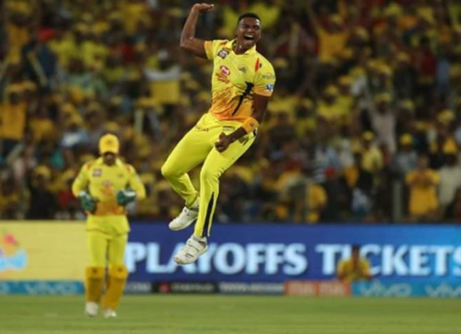 Lungi Ngidi Out of IPL 2019 Due to Injury MS Dhoni - சிஎஸ்கேவுக்கு மிகப்பெரிய பின்னடைவு.... தோனியின் ஃபேவரைட் வீரர் விலகல்!
