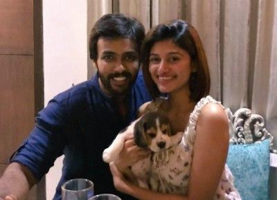 Oviya celebrates her birthday with aarav