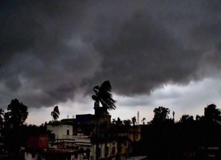 Tamil Nadu Weatherman about fani cyclone: தமிழ்நாடு வெதர்மேன் பிரதீப் ஜான் எச்சரிக்கை