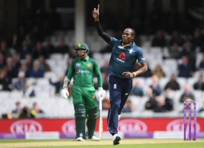 Cricket World Cup 2019 dangerous pacers Jasprit Bumrah Jofra Archer mitchell starc - 'ஜே முதல் ஜே வரை' உலகக் கோப்பை மிரட்டக் காத்திருக்கும் ஃபாஸ்ட் பவுலர்கள்! -
