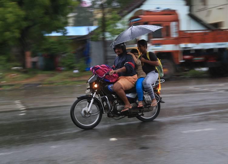 Chennai weather today chennai heavy rain alert IMD report