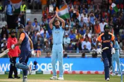 உலககோப்பை கிரிக்கெட் : கேம் பிளான் சொதப்பல் – இந்தியாவுக்கு முதல் தோல்வி