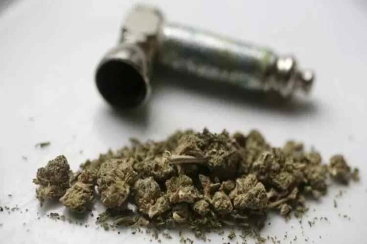 5 Engineering Students Arrested, Marijuana Selling Student arrested, 5 பொறியியல் மாணவர்கள் கைது, கஞ்சா விற்பனை செய்த மாணவர்கள் கைது, 5 Engineering Students arrested in Hyderabad,Students arrested in Hyderabad