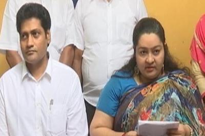 J.Deepa Merged her party with AIADMK, J.Deepa Claimed rights on Poes Garden home, Jayalalitha's nephew, ஜெ.தீபா பேரவையை அதிமுகவுடன் இணைப்பு, எம்.ஜி.ஆர். அம்மா தீபா பேரவை, MGR AMMA Deepa Peravai, J.Deepa decided to merge AIADMK