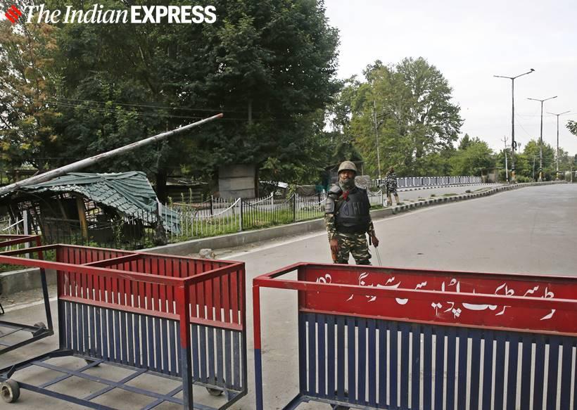 Team Kashmir lockdown k vijayakumar skandan krishnan - ஒரு மாதமாக காஷ்மீர் கோட்டையை கட்டிக்காக்கும் தமிழக கேடர் அதிகாரிகள்!