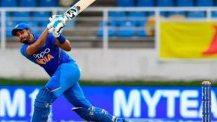 Ravi shastri about shreyas iyer no.4 spot indian cricket team - இரண்டு அரைசதம் அடித்ததற்காக இல்லை... அந்த தில்லுக்கு தான் மதிப்பே! க்ளீயரான 'நம்பர் 4' ஸ்பாட்!