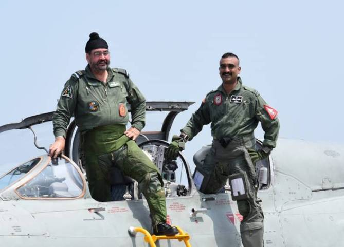 IAF chief Air Chief Marshal B S Dhanoa takes last sortie with Abhinandan
