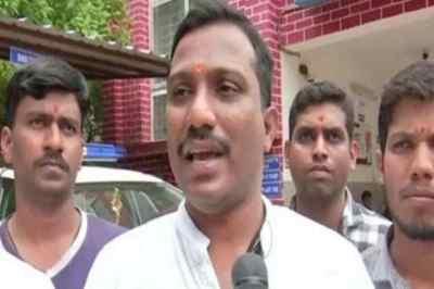 நவராத்திரி கொண்டாட்டத்தில் இந்து அல்லாதவர்களை அடையாளம் காண ஆதார் அட்டை வலியுறுத்தும் பஜ்ரங் தளம்