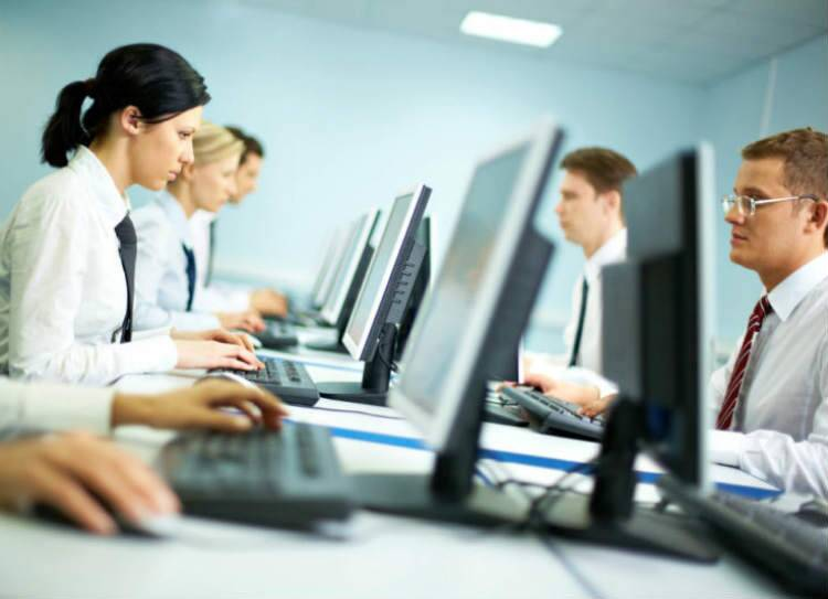 According to the Experis IT Employment Outlook Survey (EITEOS), the overall IT hiring intention of Indian employers for the period between October 2019–March 2020 stood at 47.54 per cent, down from 53.41 per cent in the last six months. Image source: Representational Image/ gettyimages.in