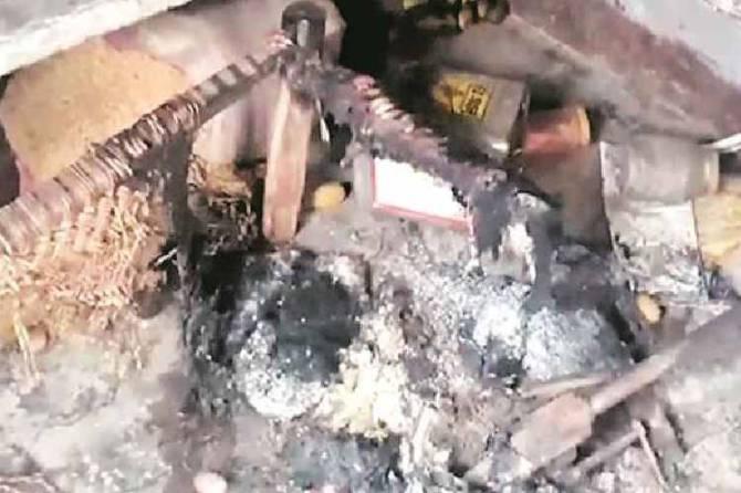 dalit youth burnt alive, up police, uttar pradesh police, dalit burnt alive, தலித் இளைஞர் உயிருடன் எரித்துக்கொலை, உத்தரப் பிரதேசம், up dalit burnt alive, lucknow news, city news, Tamil indian express