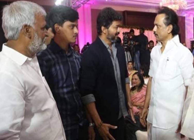 Vijay meets stalin dmk function thalapathy bigil - தளபதியை சந்தித்த தளபதி! யாருக்கு லாபம்?