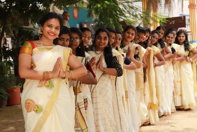 Happy onam 2019 onam festival celebration photos - ஓணம் பண்டிகை கொண்டாடிய கல்லூரி மாணவிகள் - புகைப்படங்கள் உள்ளே