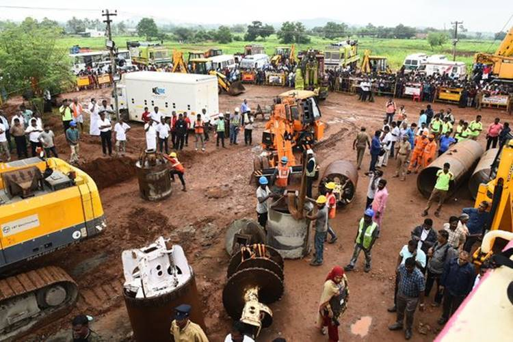 Trichy Sujith Wilson body retrieved from abandoned bore well