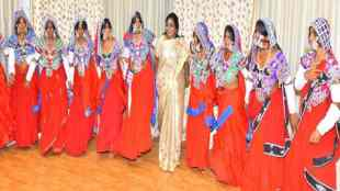 Tamilisai Soundararajan Dance With Tribal people