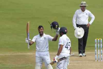 india vs south africa, india vs south africa 1st test day 2, india vs south africa 1st test, ind vs sa, mayank agarwal,மயங்க் அகர்வால், மயங்க் அகர்வால் இரட்டை சதம், இந்தியா - தென் ஆப்பிரிக்கா டெஸ்ட் கிரிக்கெட், mayank agarwal double century, rohit sharma, cricket news