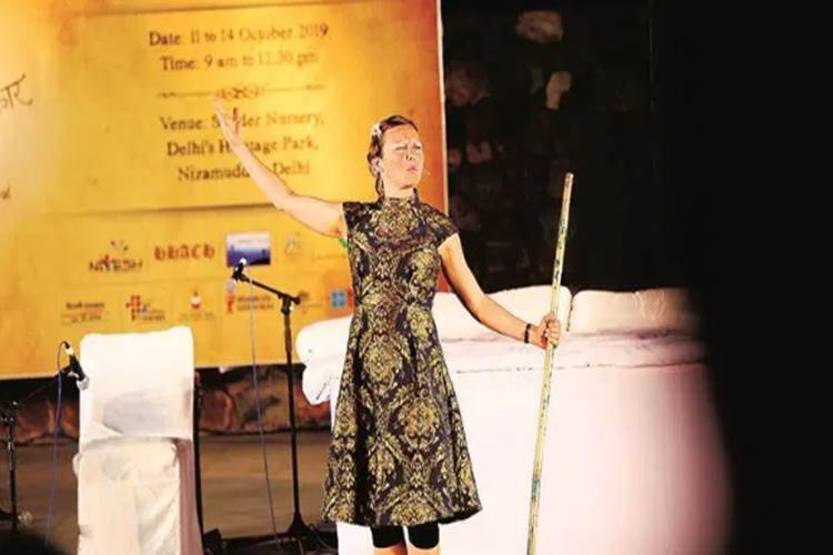 Emily Hennessey from the UK on her interest in Indian mythology - இந்தியப் புராணவியலில் ஆர்வம்கொண்ட இங்கிலாந்து கதை சொல்லி எமிலி