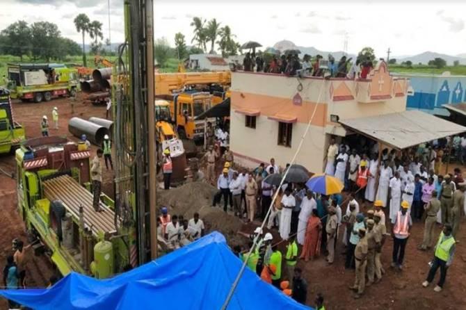 Surjith Borewell Rescue Operation : 1200 குதிரை திறன் கொண்ட அட்வான்ஸ் போர்வெல் - கடைசி நம்பிக்கையில் அதிகாரிகள்